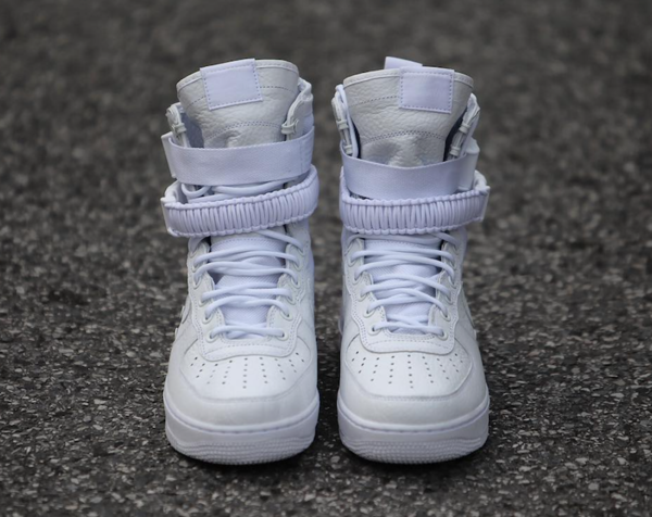 nike-special-field-air-force-1-triple-white-3
