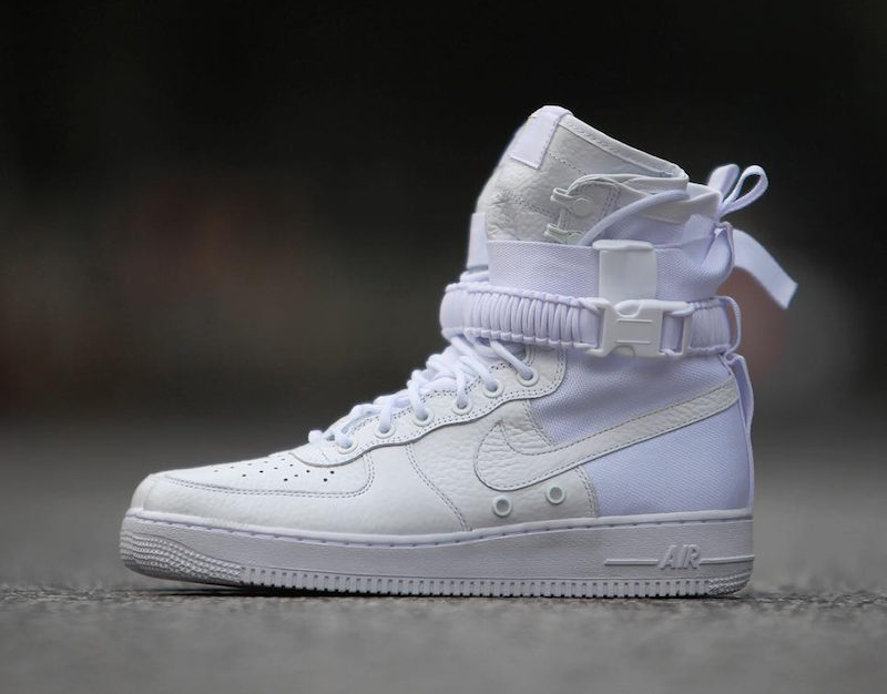 nike-special-field-air-force-1-triple-white-top