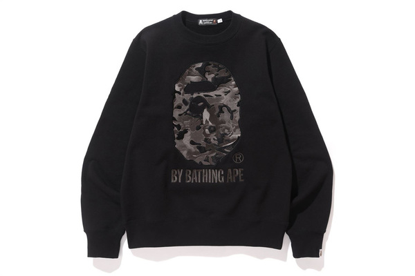 A BATHING APE × mastermind JAPAN CREWNECK 1