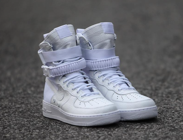 nike-special-field-air-force-1-triple-white-2