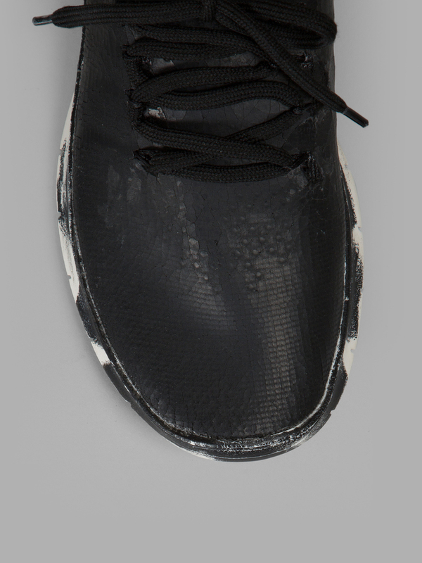 MAISON MARGIELA MEN'S BLACK SNEAKERS 5