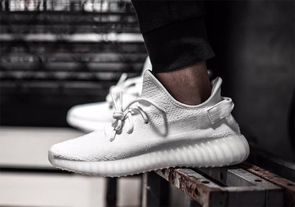 "ADIDAS YEEZY BOOST 350 V2 ""TRIPLE WHITE"" 1"