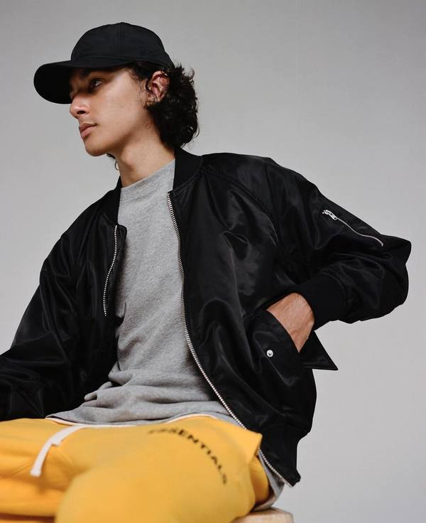 ESSENTIALS 2018 FW COLLECTION 09