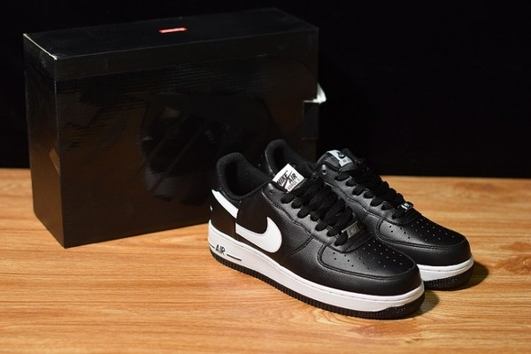 Supreme × COMME des GARCONS SHIRT × NIKE AIR FORCE 1 LOW 14