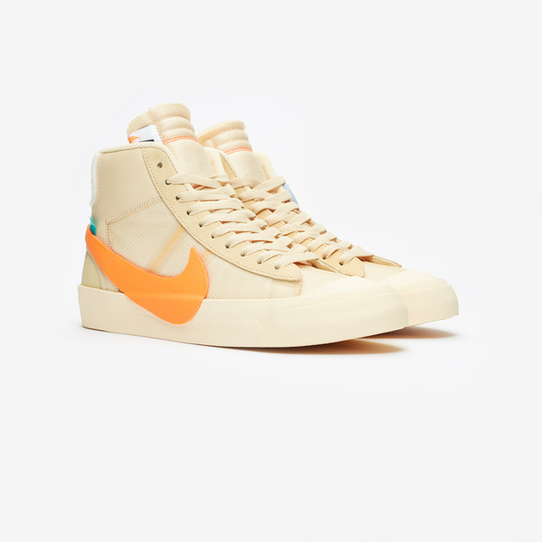 Off-White × NIKE BLAZER MID SPOOKY PACK 01