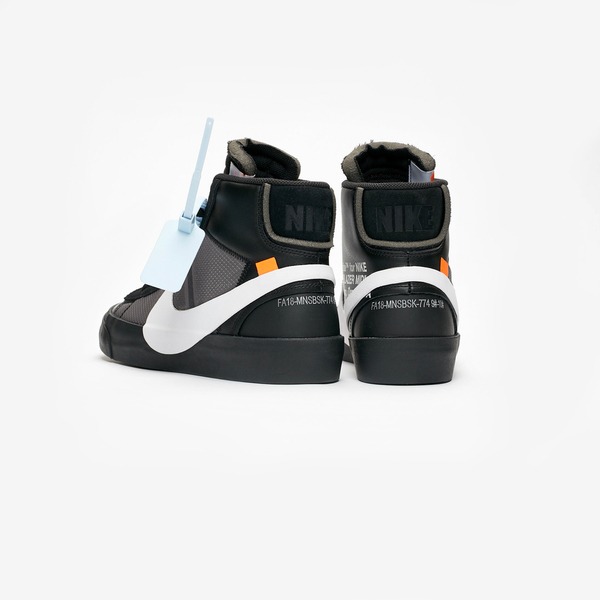 Off-White × NIKE BLAZER MID SPOOKY PACK 07
