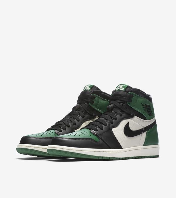 Nike Air Jordan 1 Retro High OG Purple & Green 07