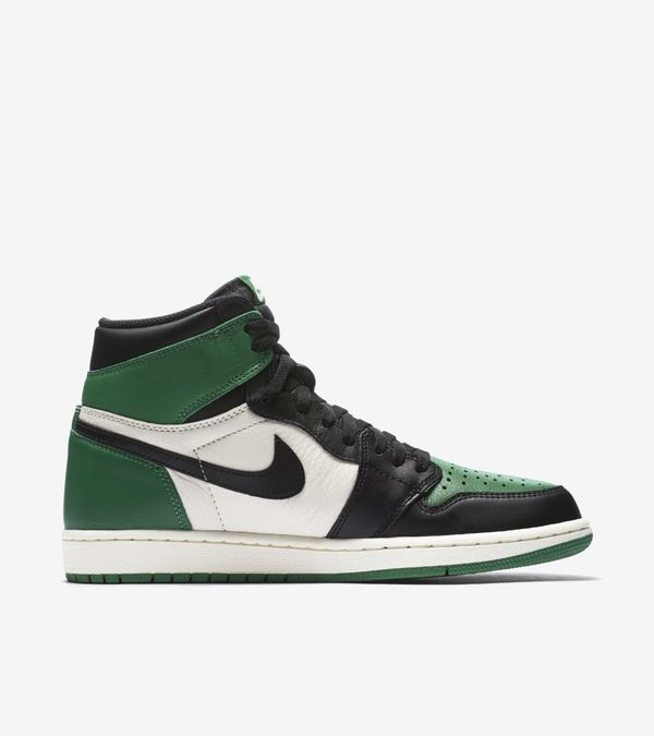 Nike Air Jordan 1 Retro High OG Purple & Green 09