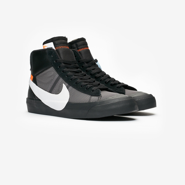 Off-White × NIKE BLAZER MID SPOOKY PACK 06
