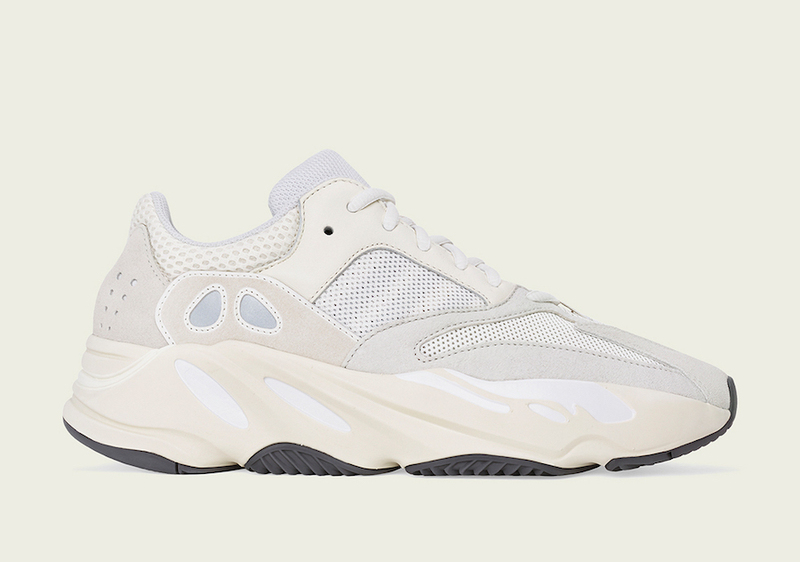 Yeezy Boost 700 Analog top