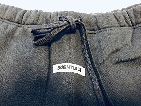 ESSENTIALS Fall 2019 Buy 06